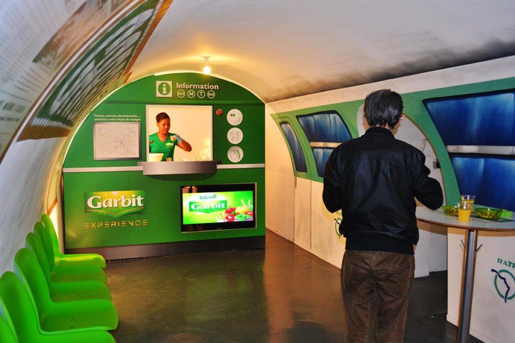 Scénographie pop up store façon métro parisien