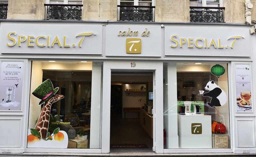 Fabrication et installation vitrine pop up store Special T Paris
