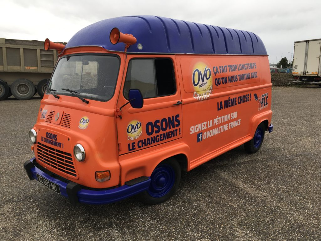 Location - covering camionnette vintage tournée promotionnelle